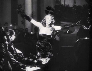 Le célèbre striptease de Rita Hayworth dans le film Gilda